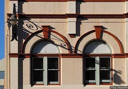 Australia, Tasmania, Hobart, morning light, Salamanca Place, street light, windows