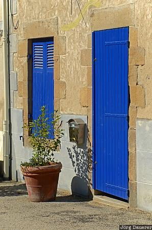 Auray, blue, Bretagne, Brittany, door, facade, flower pot