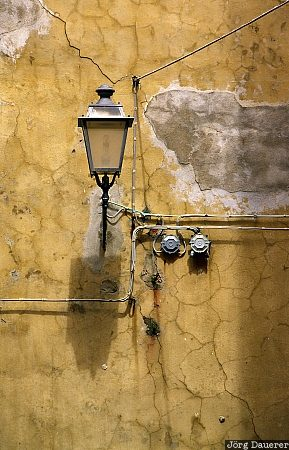 Italy, Sardinia, Castelsardo, yellow, wall, street light, street lamp