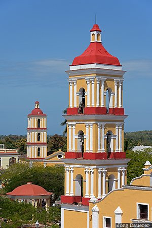 CUB, Cuba, Remedios, Villa Clara, blue sky, Central Plaza, church