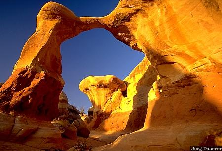 Metate Arch, devils garden, hole in the rock road, arch, Grand Staircase Escalante National Monument, Utah, GSENM